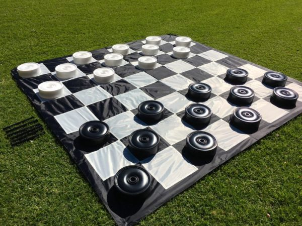 Giant-Checkers-8