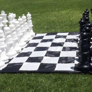 Gigantic Chess
